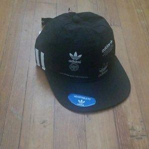 Adidas, strapback hat
